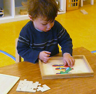 Learning to work a jigsaw puzzle